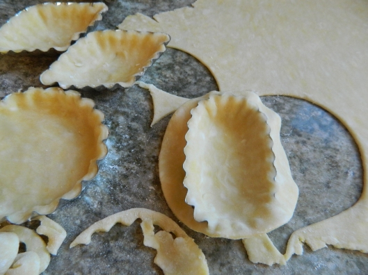 I prefer these sweet little tart molds. They have such character!