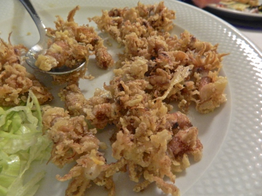 The most delectable fried calamari my mouth has ever tasted.