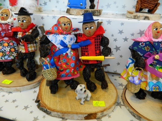 These traditional Bavarian figures made of walnuts and prunes date have their origins in the 17th century.