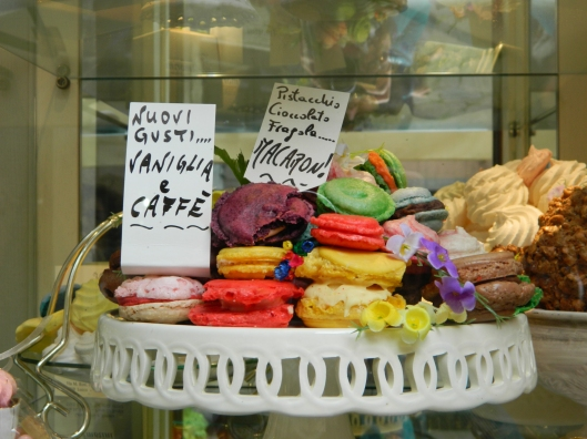 Beautiful and tempting macaroons lure me into this shop for a taste.
